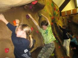 indoor bouldering 5 online