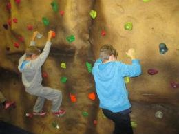 indoor bouldering 6 online